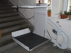 VDU platforminiai neįgaliųjų keltuvai