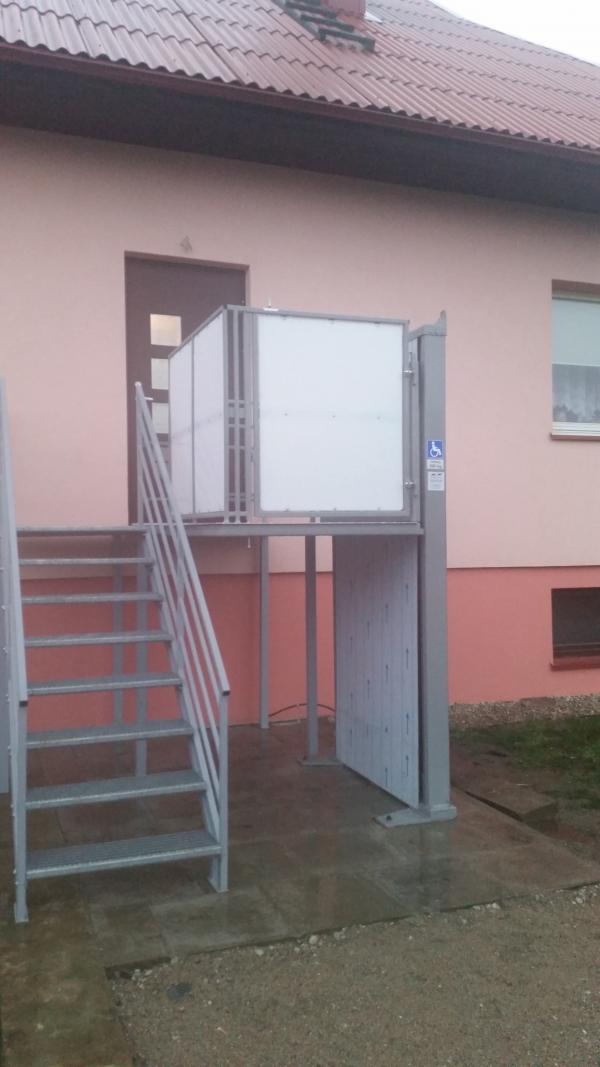 Vertikalus platforminis neįgaliųjų keltuvas Gabiga