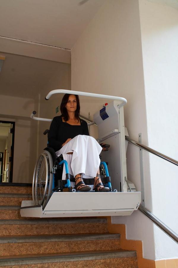 """Turėkliniai neįgaliųjų keltivai """"Delta"""""""