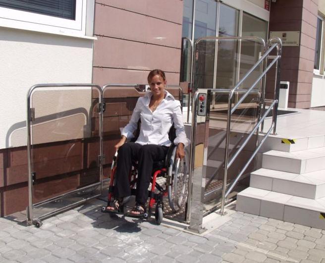 """Vertikalūs neįgaliųjų keltuvai """"Z400"""""""